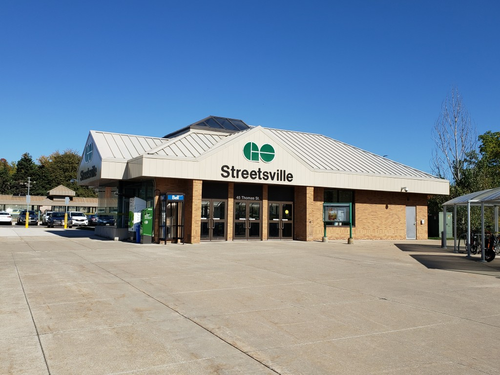 GO Train Station Streetsville